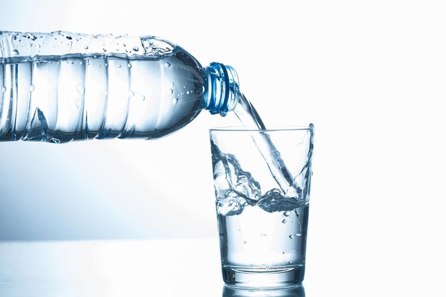 Perché Bere Acqua è Così Importante? Ecco 6 Motivi Per Rimanere Idratati