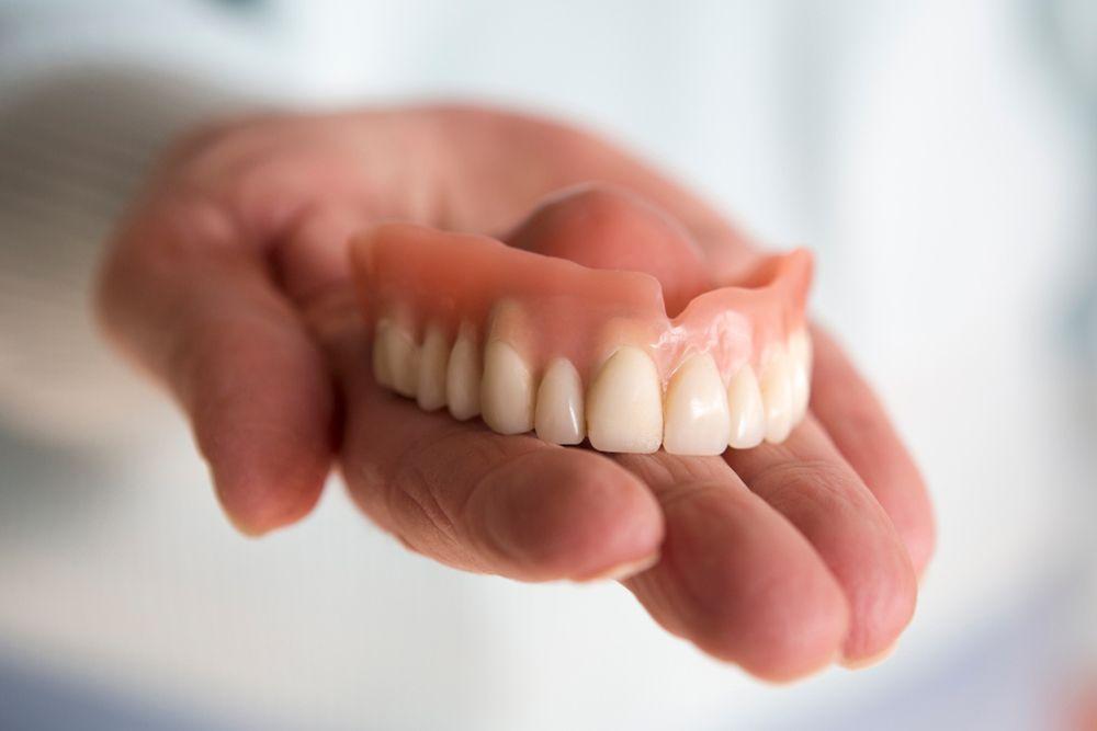 10 Problemi Di Salute Causati Da Protesi Dentarie Inadeguate