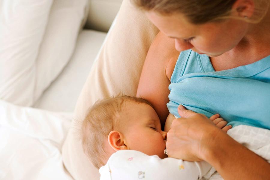 Latte Materno Dopo Il Parto